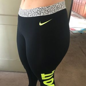 Nike Pants - Nike Just Do It Workout Pant Large Black Green